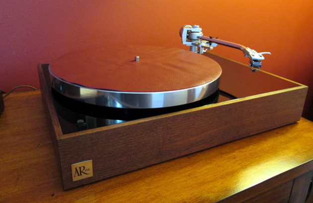 lairdslair feature - Vinyl is back as a popular and